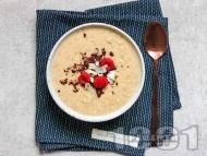 Рецепта Вегетарианска овесена каша с кокосово мляко, кокосова захар и черен шоколад за закуска